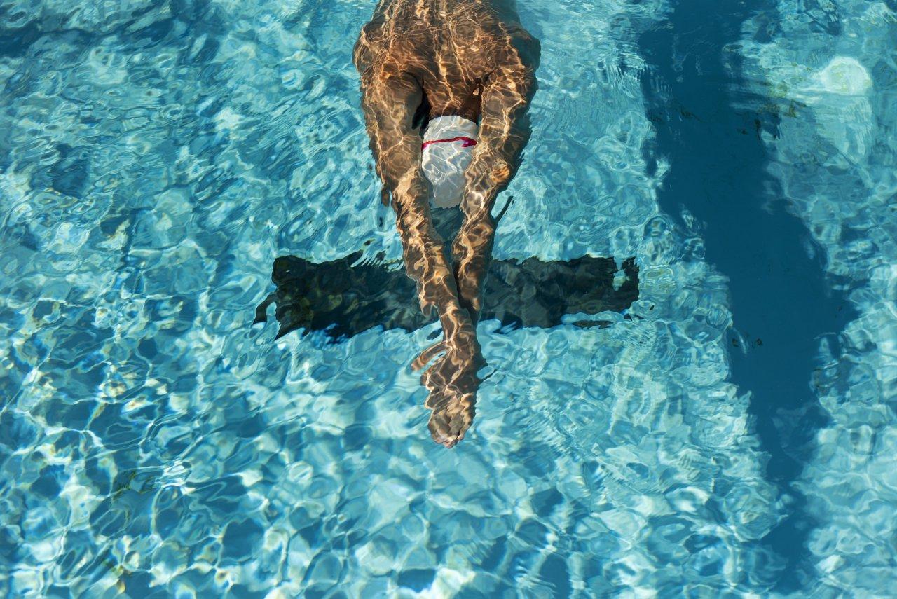 Eğitim Kurslarına Katılarak Yüzmeyi Öğren